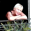 Watch Hazel O'Connor performing Chasing Cars on YouTube